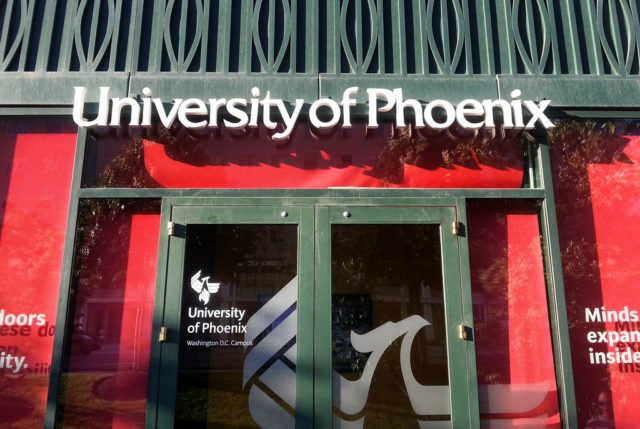 University of Phoenix Offers Two Full-Time Scholarships to Help injured Police Officers Earn Their Education