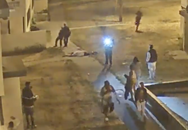 Dramatic LAPD gun fight with suspect caught on camera