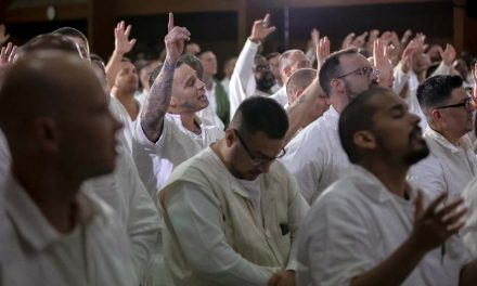 Rival gang members risk lives to get baptized together in maximum-security prison