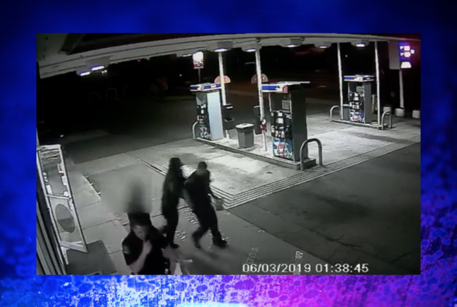 Caught on camera: suspect attempts to grab officer's gun from holster