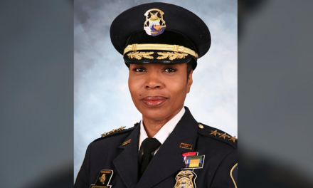 "Officers: police chief is ""incompetent"" and she must be removed"