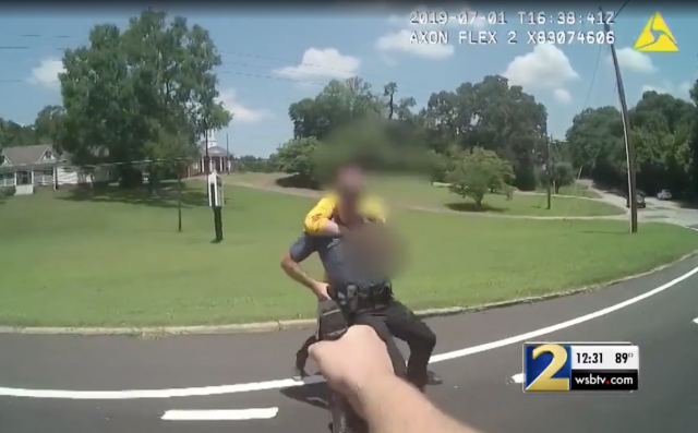 """""""We can help you"""" - video shows officers plead with armed man before fatal shooting"""