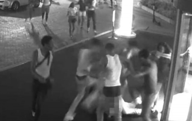 Watch: tourists outnumbered and savagely beaten near White House