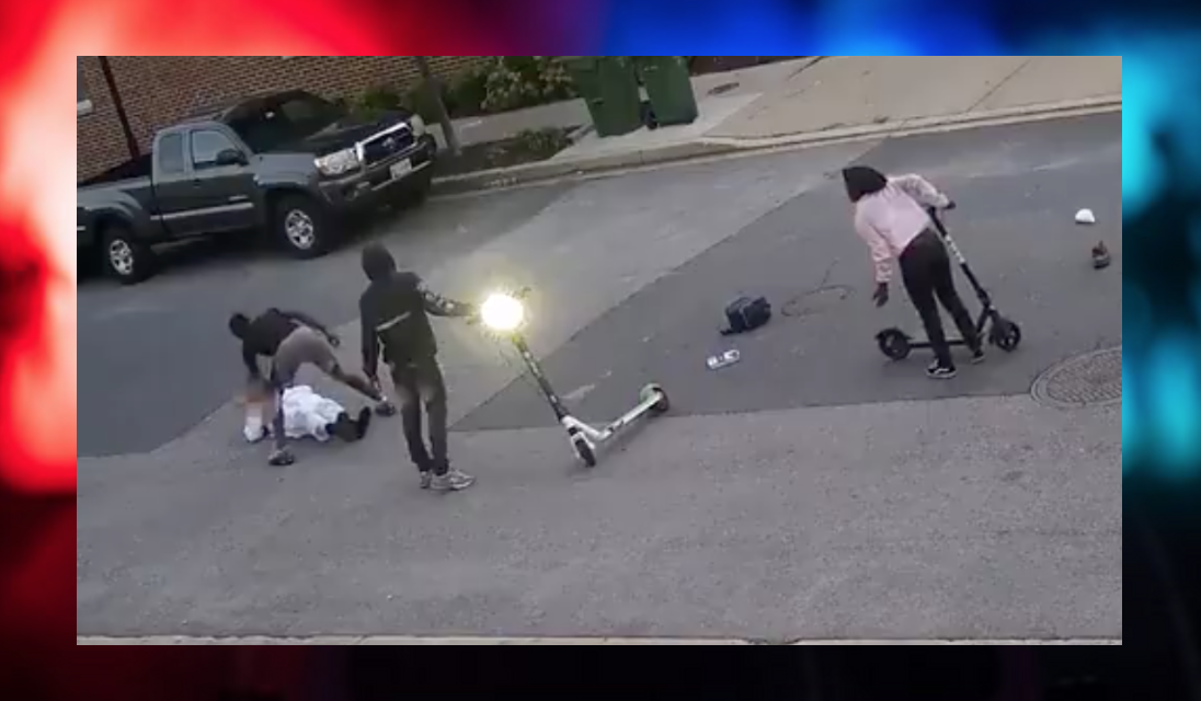 Video: A group of teens surrounded a police employee. Then they attacked.