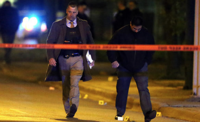 chicago_police_investigation_crime_scene_tape_shooting_guns