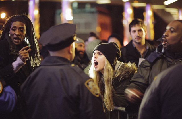 protest_staten_island_nypd_new_york_angry_yelling