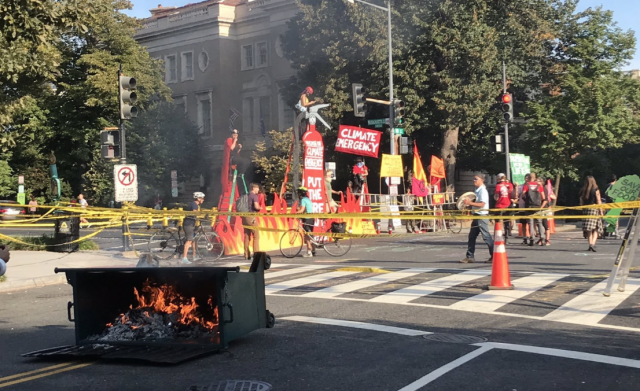 protest_fire_climate_change_dc