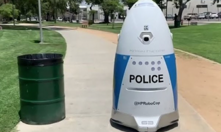 Police robot completely ignores woman begging for help