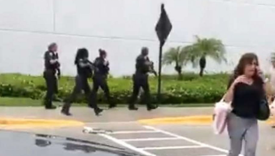 BREAKING: Massive police presence responds to active shooter report in Florida mall