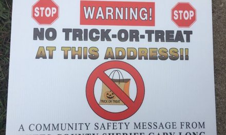 Triggered Treat: Sex offenders suing Sheriff's office over Halloween warning signs