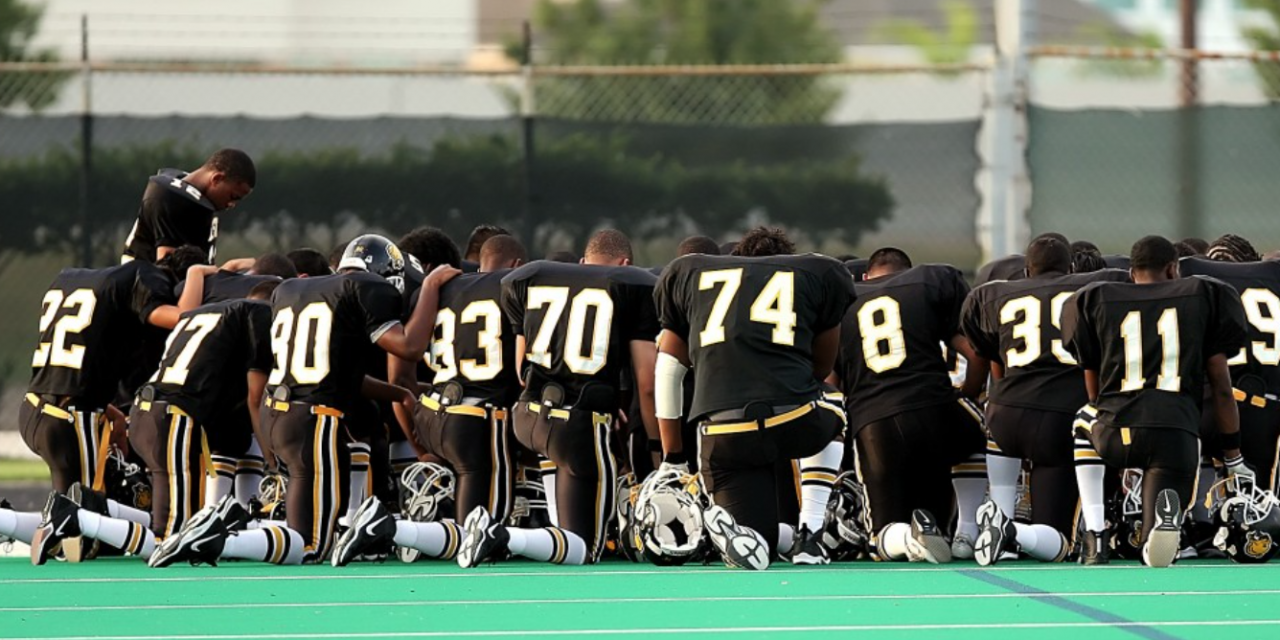 """Atheist group demands """"illegal"""" post-game prayer be stopped"""