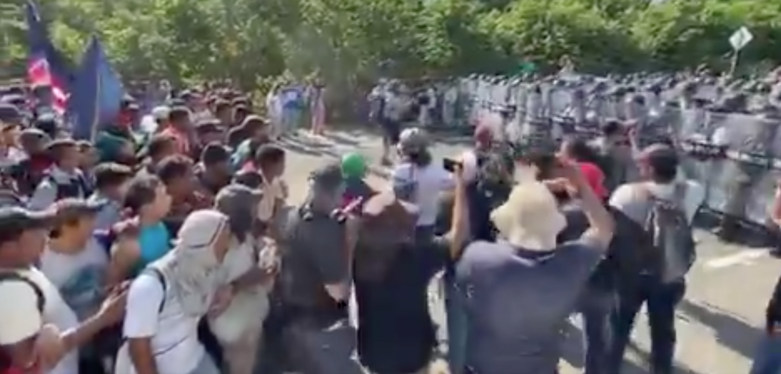 Mexican caravan heading to America stopped by Mexican National Guard riot control