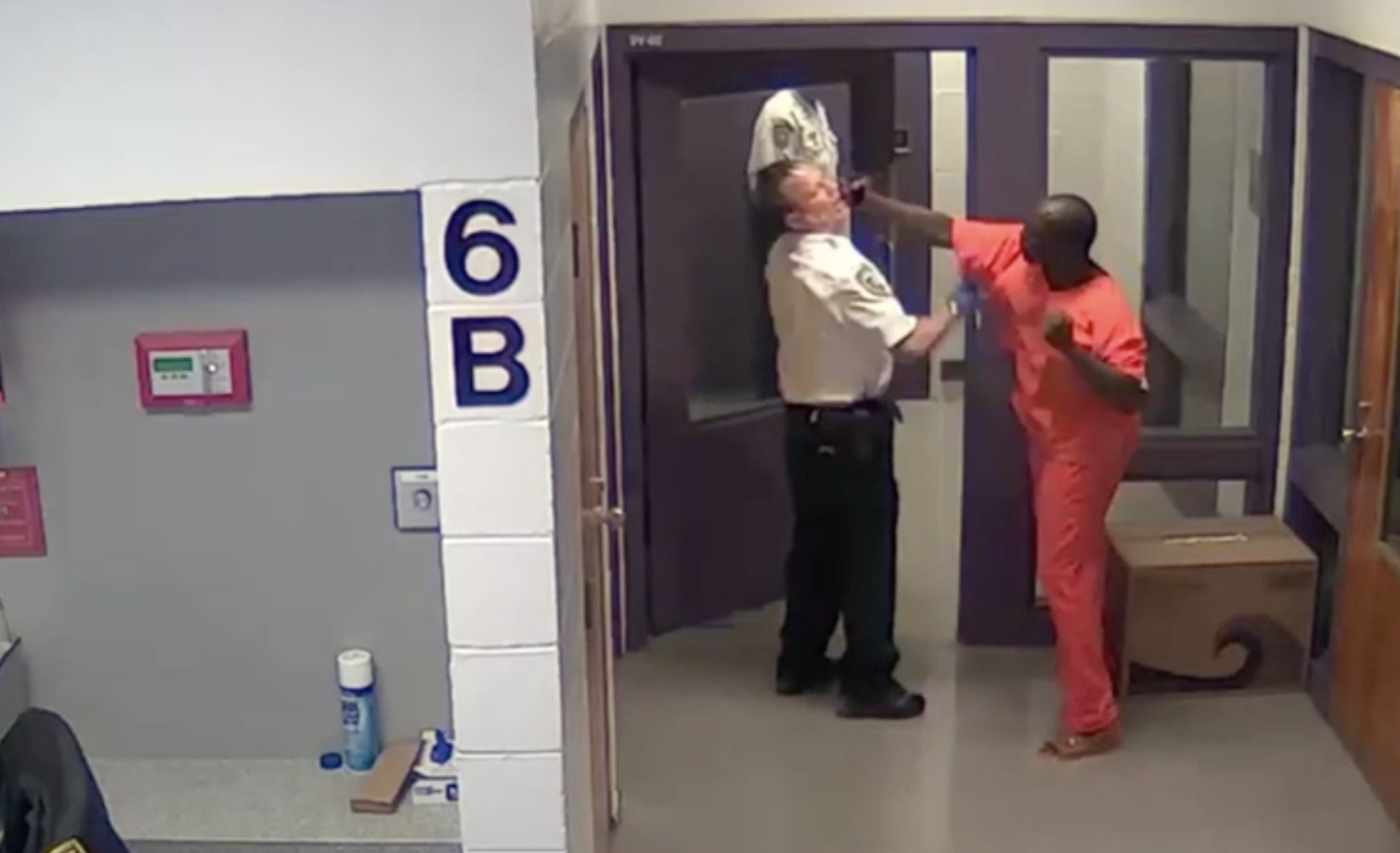 Florida inmate with 40 arrests sucker punches deputy in unprovoked attack