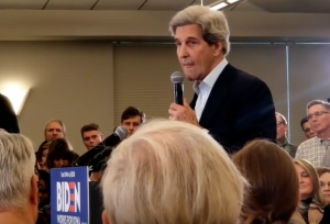 "John Kerry talks about taking ""AR-16's with long clips"" out of the hands of Americans"
