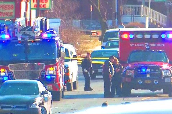 Police: 25-year-old woman dead, children injured after 'rolling gun battle' on streets of St. Louis