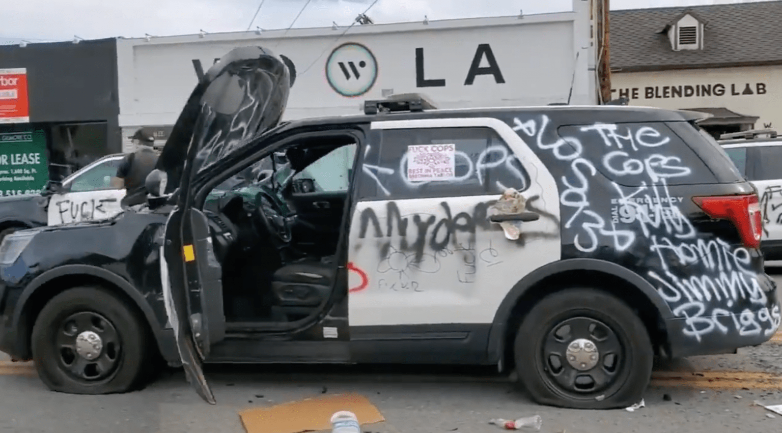 LA: Officers injured, patrol vehicles destroyed, 400 people arrested, National Guard activated