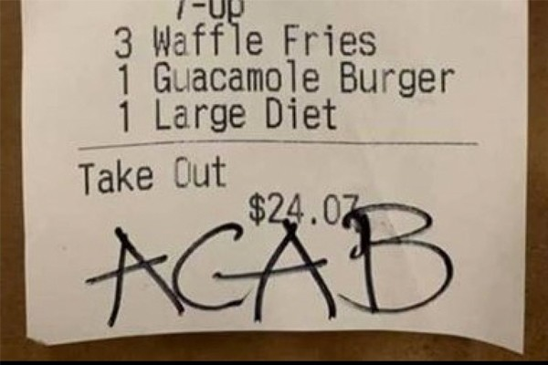 Washington restaurant apologizes to cops for message scribbled on their bill