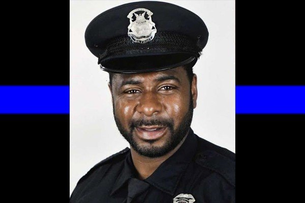 Detroit police officer dies after being shot in the head and fighting for his life. He was a proud dad of three. His life mattered.