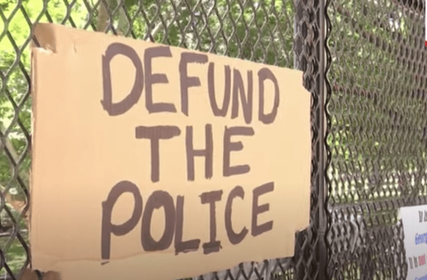 Google employees sign letter, encouraging company to end ties with police: 'Time to defang and defund' cops