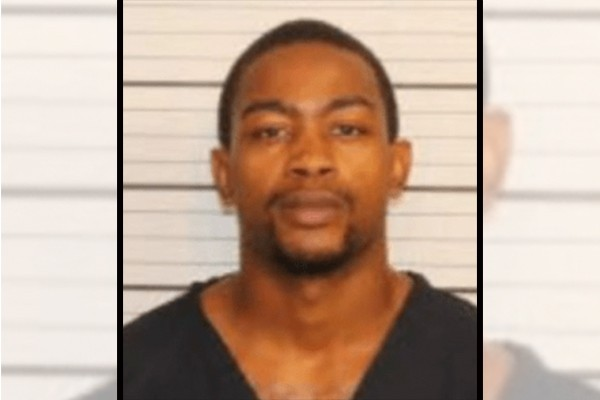 Man pretends to play dead in order to survive shooting, watches friends get murdered by this man