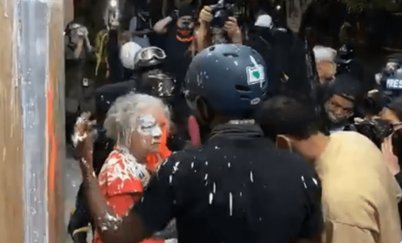 Portland anarchists violently attack elderly women trying to prevent them from burning down police department