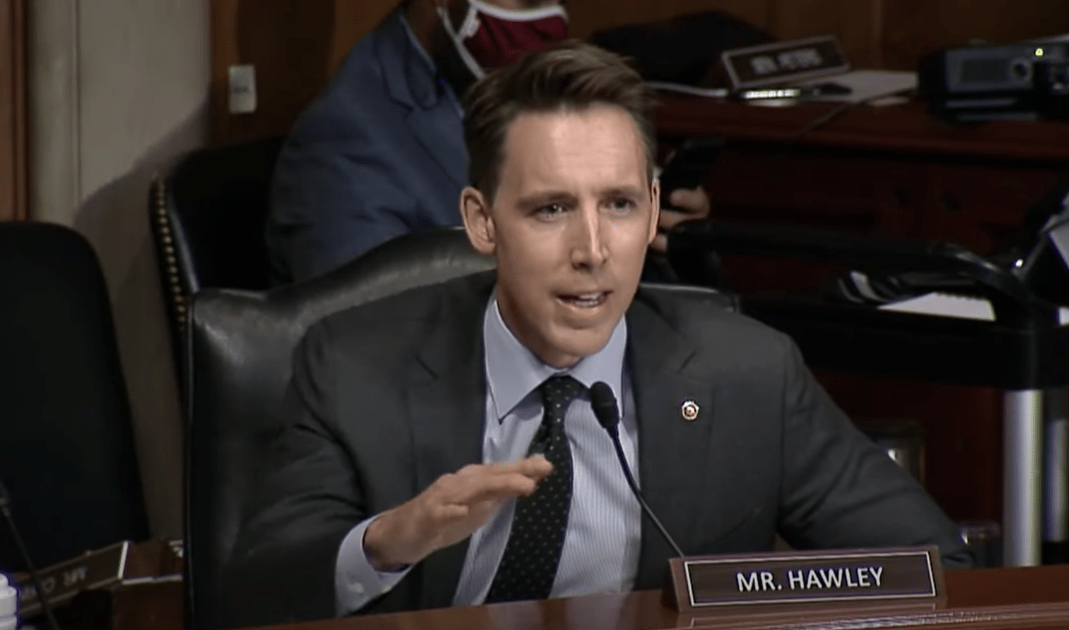 Sen. Hawley announces 'David Dorn Back the Blue Act' that includes pay raise, more jobs for police