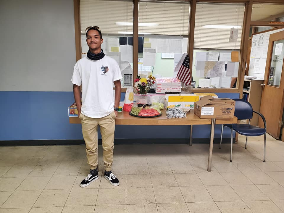17 year old Columbus teen Markel Davis grilled food for 100 police officers a night for a week during protests. Then he traveled to Cleveland to feed more officers. From his Bridging the Gap facebook page.
