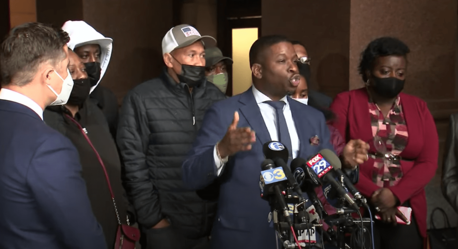 Family of Philly man shot and killed says officers involved in fatal shooting shouldn't be charged with murder