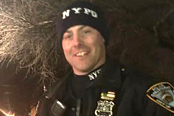 Man accused of shooting NYPD cop in the back on Christmas Eve offers an apology