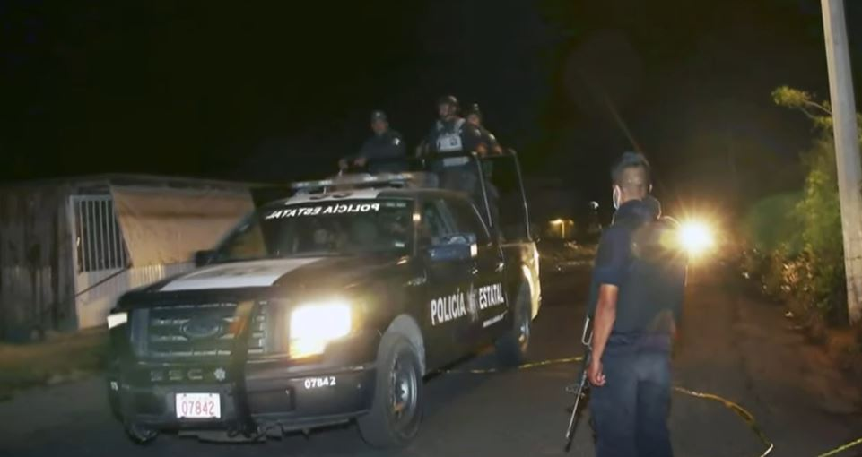 Police ambushed by gunmen in central Mexico, 13 killed