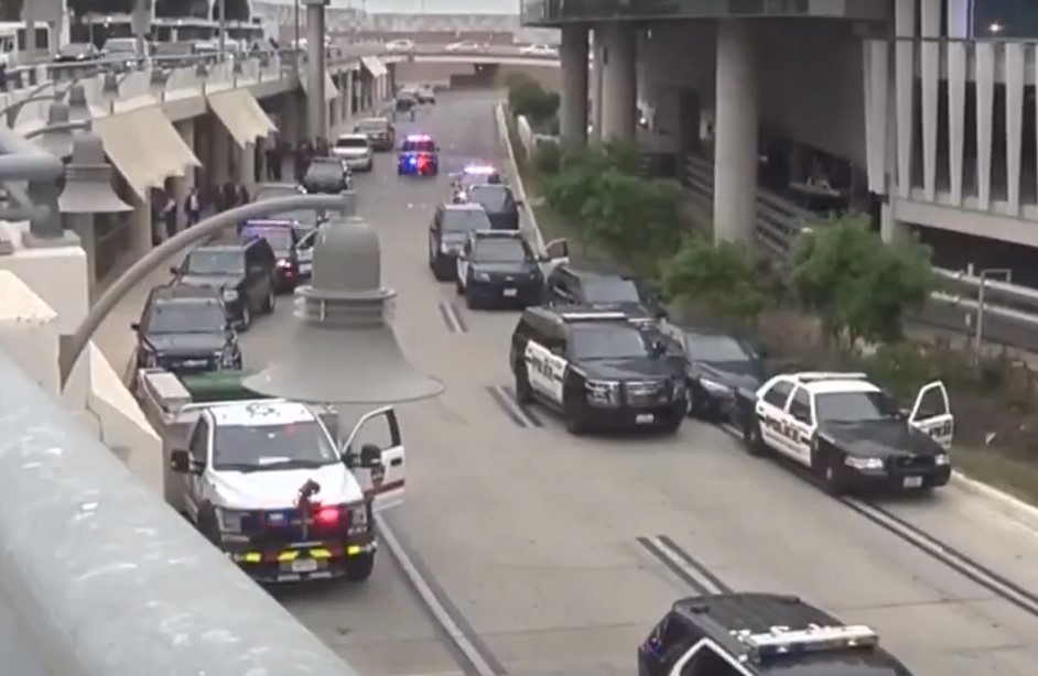 Active shooter stopped by heroic police officer at San Antonio Airport - Screenshot courtesy of KSAT on YouTube