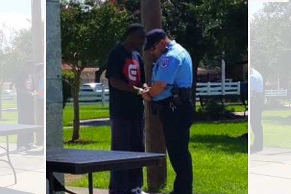 Ex-convict approaches cop who arrested him years ago, prays with him for safety of all officers