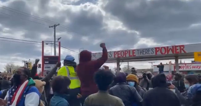 Black-owned businesses in Minneapolis autonomous zone - where police are kept out - plead for help