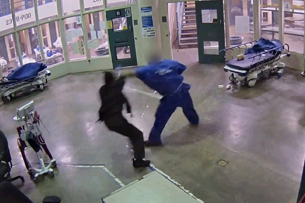 LA county inmate caught on camera attacking female custody officer, repeatedly punching her in the head