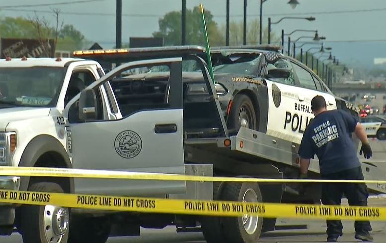 Buffalo officer injured after light pole hits cruiser during pursuit