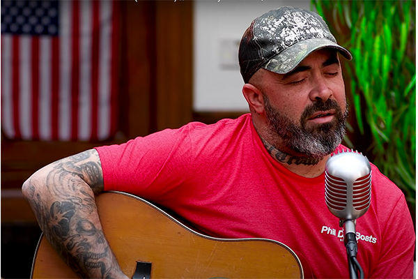 Rocker Aaron Lewis welcomes in July 4th with savage attack on Dems in new single 'Am I The Only One'