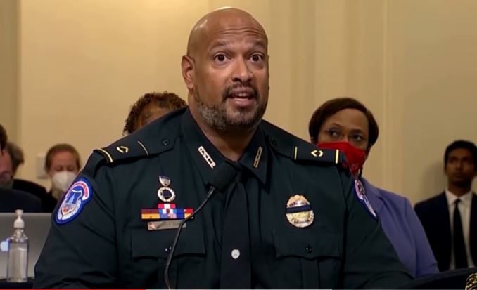 """Former police chief says what many are thinking: """"Officer testimony"""" over Jan. 6 incident doesn't pass the smell test"""