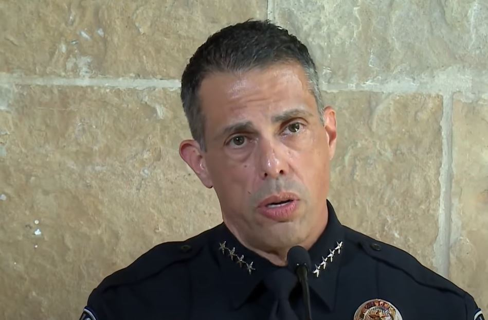 Sworn Austin Police officers to stop responding to non-emergency calls