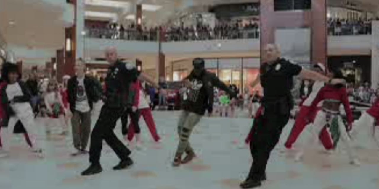 Cops Join Flash Mob at Mall