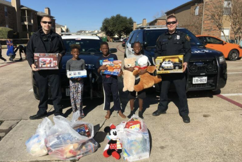 Fort Worth Police Replace Stolen Gifts for Family