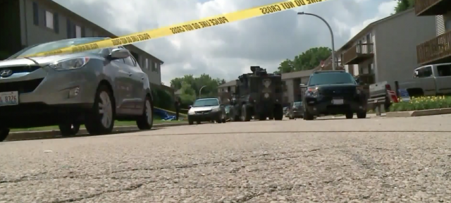 Shotgun-blasting gunman killed after three officers wounded in Illinois shootout